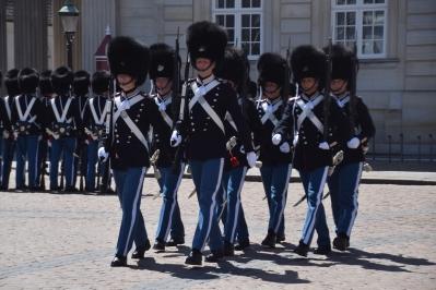 c guards 2